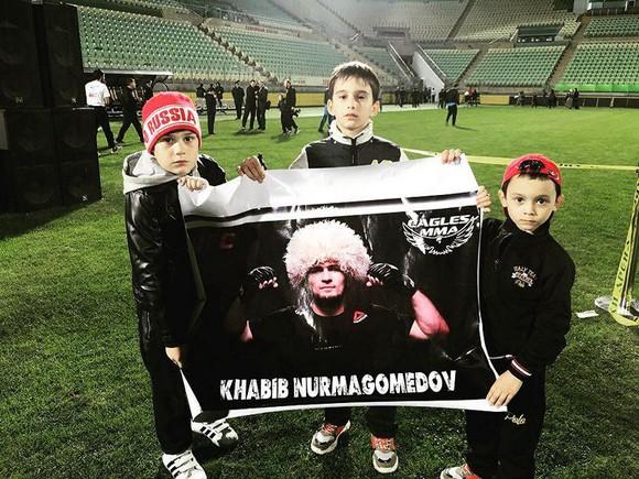 Khabib dọa bỏ UFC: Quyết đi đến cùng vì huynh đệ ảnh 9