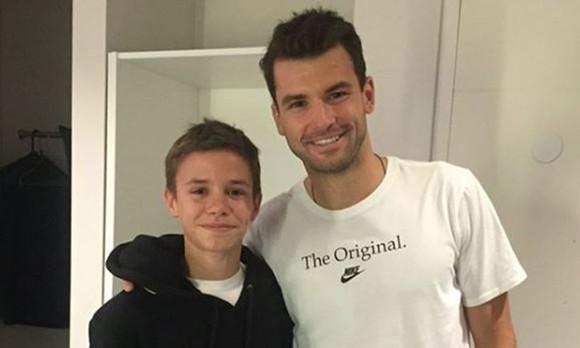 Vợ của Beckham xây sân tập 30 ngàn Bảng cho con trai Romeo ảnh 4