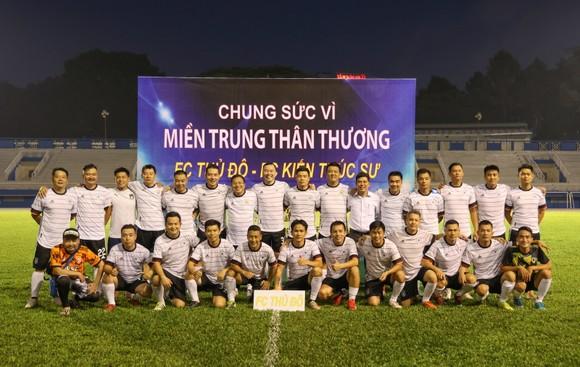 FC Thủ Đô - FC Kiến trúc sư: Trận cầu thiện nguyện nghĩa tình hướng về miền Trung thương yêu ảnh 7