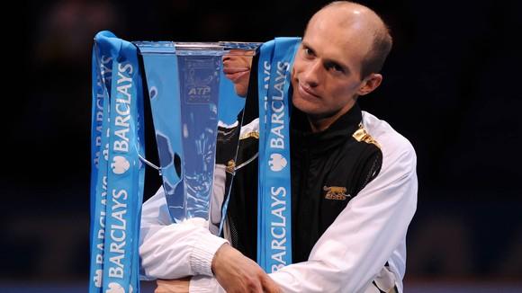 """Daniil Medvedev: """"Kẻ thừa kế"""" Davydenko đánh bại Nadal và Thiem để vô địch ATP Finals 2020 ảnh 1"""