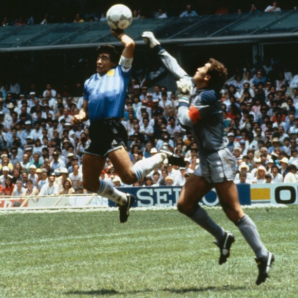 Huyền thoại bóng đá Diego Maradona: Những khoảnh khắc đáng nhớ trong sự nghiệp đầy rẫy sắc màu ảnh 8