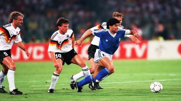 Huyền thoại bóng đá Diego Maradona: Những khoảnh khắc đáng nhớ trong sự nghiệp đầy rẫy sắc màu ảnh 12