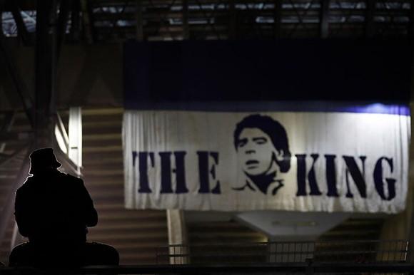Thành Naples và CLB Napoli tiễn đưa Diego Maradona bằng sự kiện tưởng niệm đầy xúc động ảnh 18
