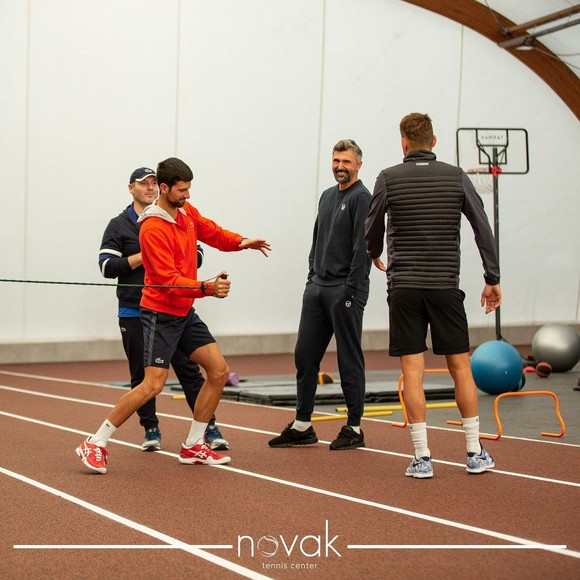"""Novak Djokovic lập """"trại huấn luyện"""" ở Belgrade, nhiều tay vợt hưởng lợi ảnh 1"""