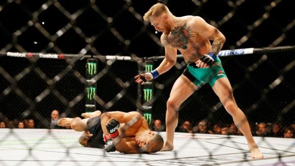 "UFC 257: Conor McGregor vs Dustin Poirier II - ""Biến mất trong 60 giây"" hay kết liễu ở hiệp 1? ảnh 4"