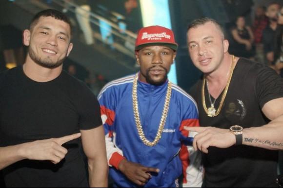 """Makhmud Muradov: Ngôi sao mới nổi của UFC có thể hình 8 múi, là bạn thân của """"Money"""" Mayweather ảnh 4"""