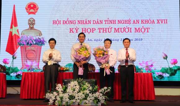 Nghệ An bầu bổ sung 2 Phó Chủ tịch UBND tỉnh ảnh 1
