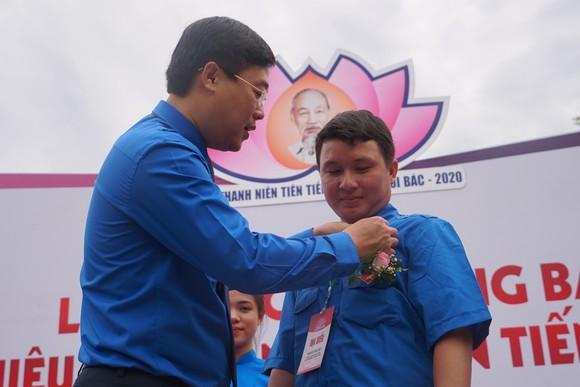 Thanh niên tiên tiến cả nước báo công dâng Bác tại Khu di tích Kim Liên ảnh 2