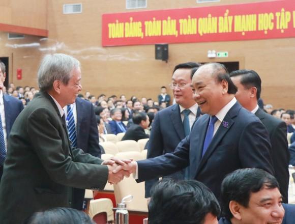 Thủ tướng Nguyễn Xuân Phúc: Nghệ An cần tạo cho được một 'Kỳ tích sông Lam' ảnh 3