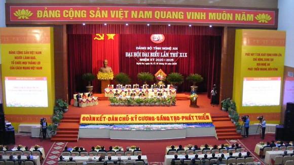 Toàn cảnh Đại hội đại biểu Đảng bộ tỉnh Nghệ An lần thứ XIX