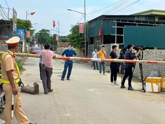 Nghệ An, Thanh Hóa: Cách ly 1.900 hộ dân, gần 2.000 học sinh, giáo viên  ảnh 6