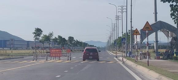 Nhiều huyện thị tại Nghệ An cách ly xã hội phòng chống dịch Covid-19 ảnh 1
