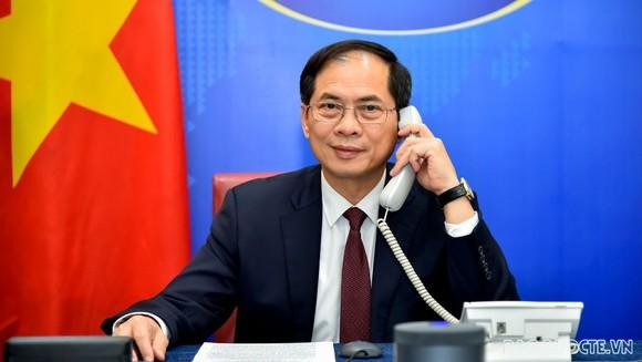 外交部長裴清山