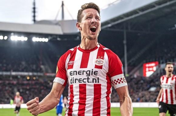"""Không phải Ajax: PSV mới là đội """"hot"""" nhất ở giải Hà Lan, ghi bàn ở 28 trận liên tiếp ảnh 2"""