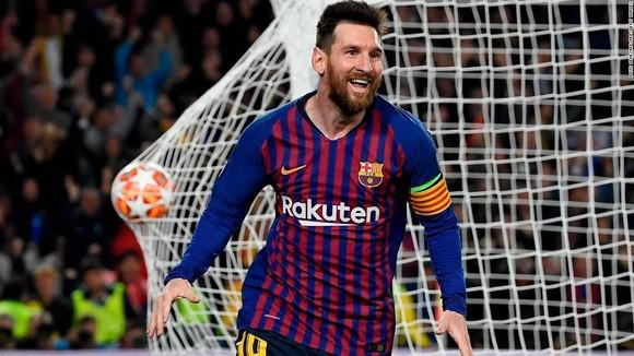 """Thế giới trong cơn cuồng Lionel Messi - Balotelli: """"Xin đừng so sánh Messi với số 7 của… Juventus"""" ảnh 3"""