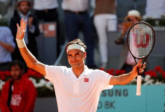 Bỏ lỡ 2 match-point, Federer đành buông tay ở Madrid Open