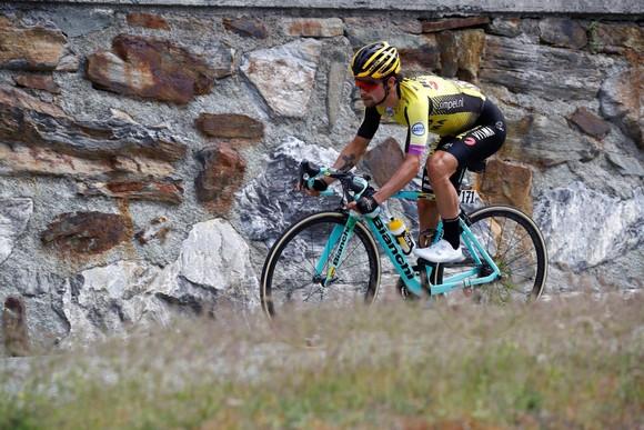 Giro d'Italia: Simon và Nibali tiếp tục tấn công, Carapaz nới rộng khoảng cách với Roglic ảnh 3