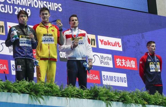 """Giải bơi lội VĐTG: Lại bị phủ nhận chiến thắng, Sun Yang mắng đối thủ: """"Tôi thắng, anh thua"""" ảnh 1"""