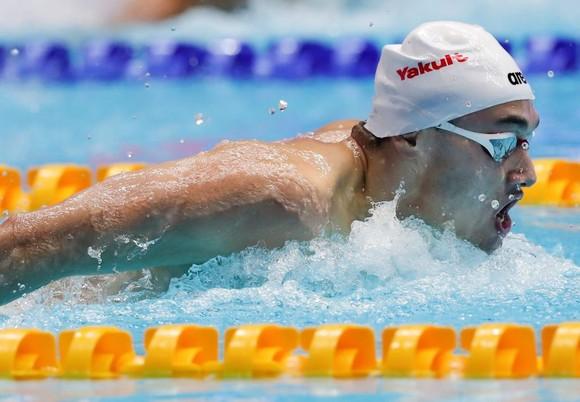 Giải bơi lội VĐTG: Kình ngư 19 tuổi người Hungary phá kỷ lục thế giới 10 năm tuổi của Michael Phelps ảnh 1