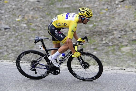 Tour de France: Thời tiết giúp Bernal lật đổ Alaphilippe, Ineos sắp thắng Áo vàng thứ 7 ảnh 3