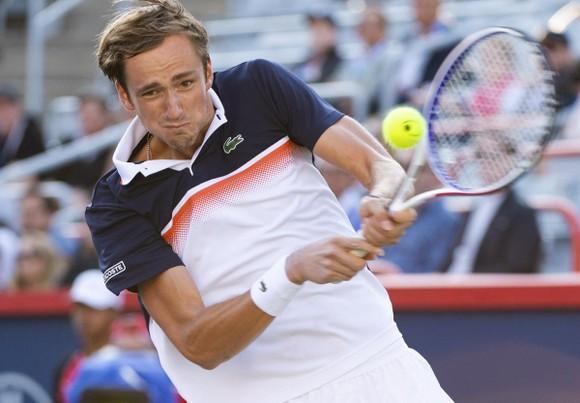 """Rogers Cup: Nadal quyết đấu """"tay súng trẻ người Nga"""" Medvedev ở chung kết ảnh 1"""