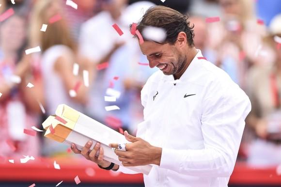 """Rogers Cup: Nadal """"giáo huấn"""" Medvedev, giành danh hiệu Masters 1.000 thứ 35 ảnh 4"""