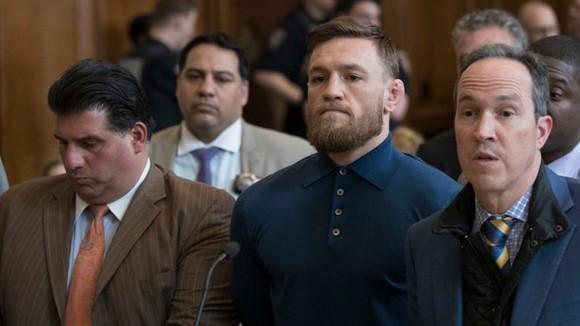 McGregor nhận sai khi đấm người trong quán bar, muốn tái chiến báo thù Khabib ảnh 1