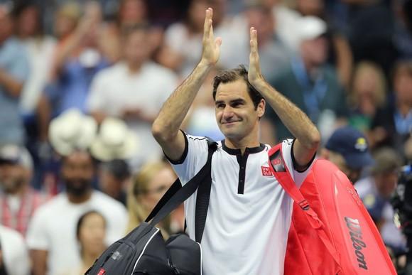 US Open: Federer lại thua trước thắng sau, Djokovic vật lộn với… chấn thương ảnh 1