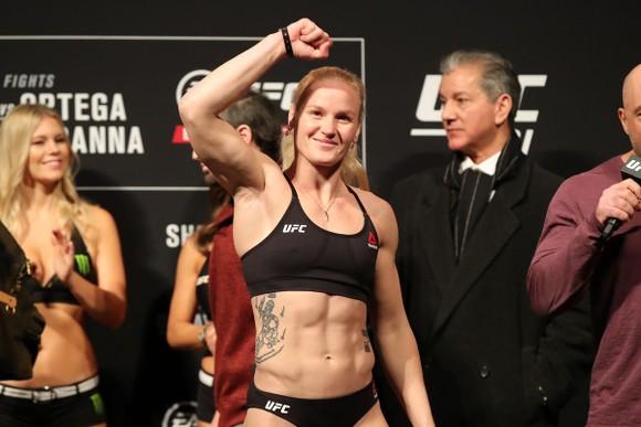 """UFC: Xếp dưới cả """"Nữ chiến binh"""" Nunes, McGregor vẫn hẹn quay lại vào tháng 12 ảnh 2"""