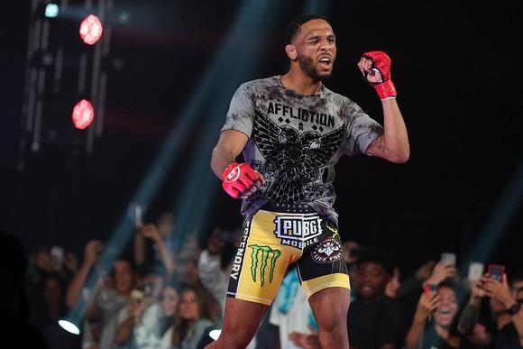 MMA Bellator 228: Hổ phụ sinh sư tử - McKee cha thắng KO hiệp 2, McKee con thắng KO ngay giây thứ 8 ảnh 4