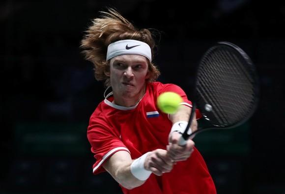 """Davis Cup Finals: Bị tố: """"Chỉ có 15 khán giả đến xem thi đấu"""", Gerard Pique phản pháo đáng thương... ảnh 8"""