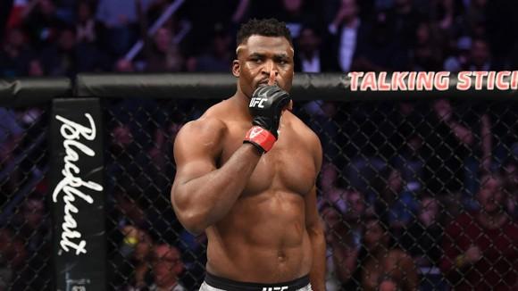 UFC 249: Các võ sĩ không ngại thi đấu trong một sàn đài đóng kín, không có khán giả ảnh 3