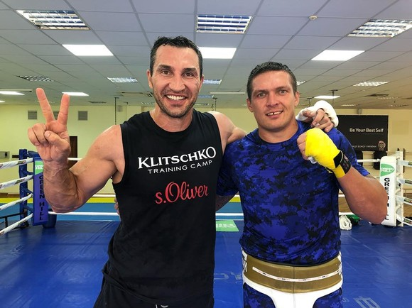 "Klitschko ""em"" luyện quyền với Usyk"