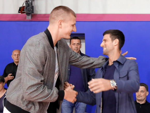 """Cha của Djokovic đổ thừa Dimitrov phải chịu trách nhiệm, nói anh này là """"siêu lây nhiễm"""" ảnh 2"""