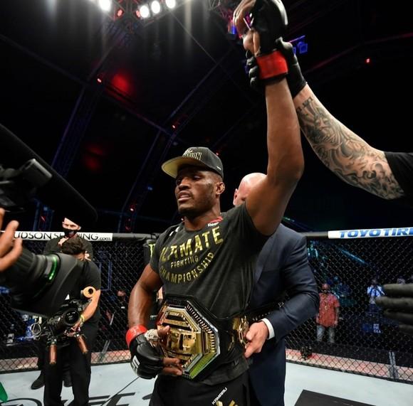 """UFC 251: Petr Yan phất cao cờ Nga ở Abu Dhabi, """"Cơn ác mộng Nigeria"""" đả bại """"Thú chọi"""" ảnh 1"""