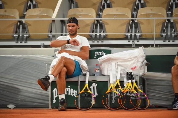 Roland Garros: Chiều tối nay, Thiem - Nadal đồng loạt xuất trận, Murray phản ứng sau khi thua thảm Wawrinka ảnh 2