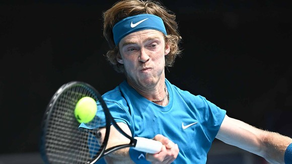 Kết quả Australian Open (mới cập nhật) – Rublev và Medvedev vẫn chưa tốn ván đấu nào, Nadal cũng thắng 3 ván ảnh 1