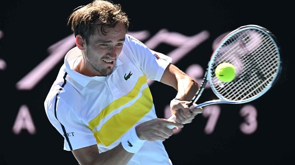 """Kết quả Australian Open (mới cập nhật) - Tsitsipas bay như """"chú chim nhỏ"""", lật đổ Nadal, sẽ đấu Medvedev ảnh 1"""