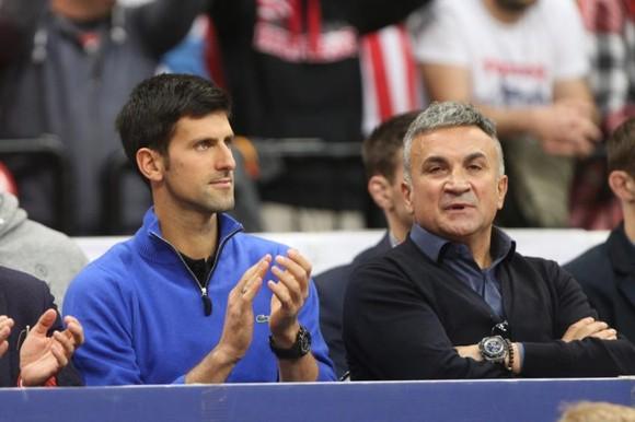 Cha của Novak Djokovic: Chúa gửi con trai tôi tới cho người dân Serbia ảnh 1