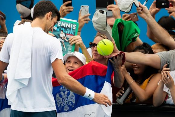 Cha của Novak Djokovic: Chúa gửi con trai tôi tới cho người dân Serbia ảnh 2