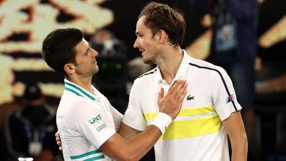 Cha của Novak Djokovic: Chúa gửi con trai tôi tới cho người dân Serbia ảnh 4