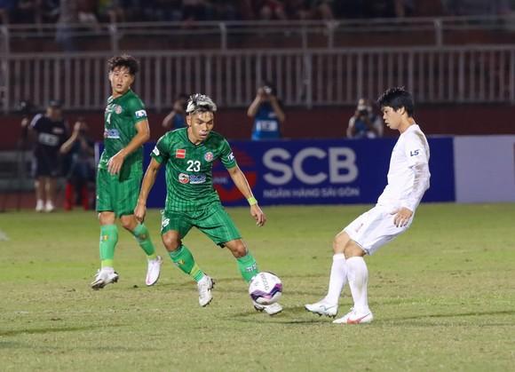 FC Ryukyu của Cao Văn Triền thắng trận mở màn, thương hiệu Việt Nam xuất hiện ở J2 ảnh 1