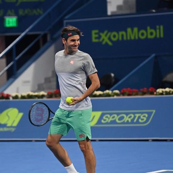 """Djokovic ăn mừng phá kỷ lục 311 tuần giữ ngôi số 1 thế giới của Federer; ngày mai, Federer cũng """"tái xuất giang hồ"""" ảnh 1"""