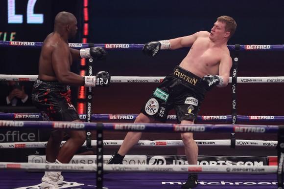 """""""Sư tử trắng nước Nga"""" Alexander Povetkin: Thua KO ở hiệp 4, hầu như sẽ kết thúc sự nghiệp ảnh 1"""