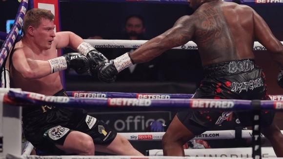 """""""Sư tử trắng nước Nga"""" Alexander Povetkin: Thua KO ở hiệp 4, hầu như sẽ kết thúc sự nghiệp ảnh 2"""