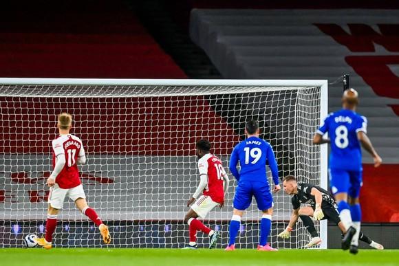 Arsenal không thể giành quá 61 điểm mùa này: Thời tệ nhất của Arsene Wenger vẫn có 63 điểm! ảnh 1