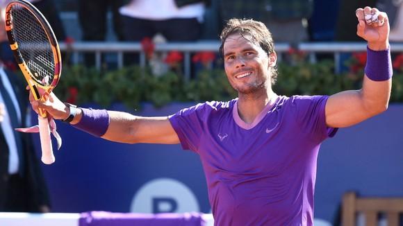 "Serbia & Barcelona Open: Cứu 23 break-point, Karatsev ""phục hận"" Djokovic - Nadal đấu Tsitsipas ở CK ảnh 1"
