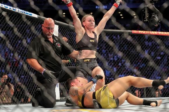 Shevchenko bảo vệ thành công đai vô địch hạng ruồi nữ của UFC lần thứ 5