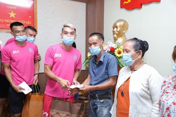 Sài Gòn FC: Giữa muôn trùng khó khăn vẫn duy trì hoạt động chia sẻ cộng đồng ảnh 1