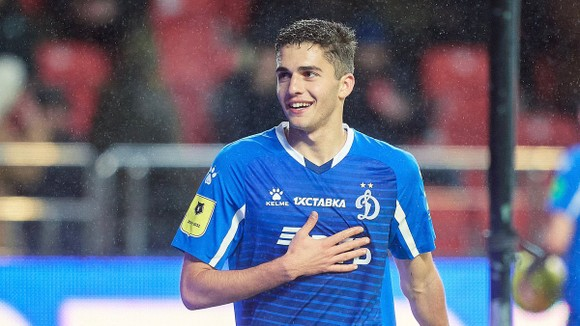 Zakharyan trong màu áo Dynamo Moscow